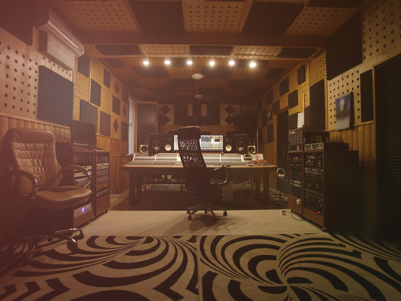 Photograph a vintage looking recording studio.